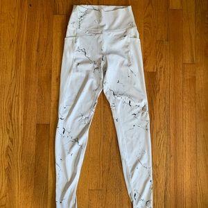 Buffbunny Collection white marble pocket legging
